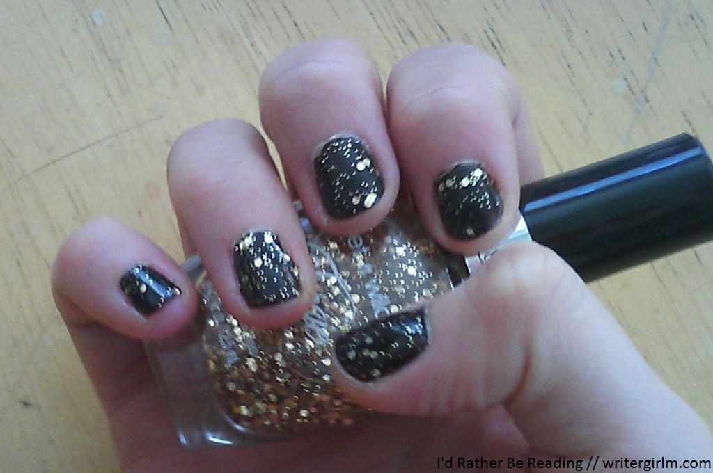 Black and gold glitter mani
