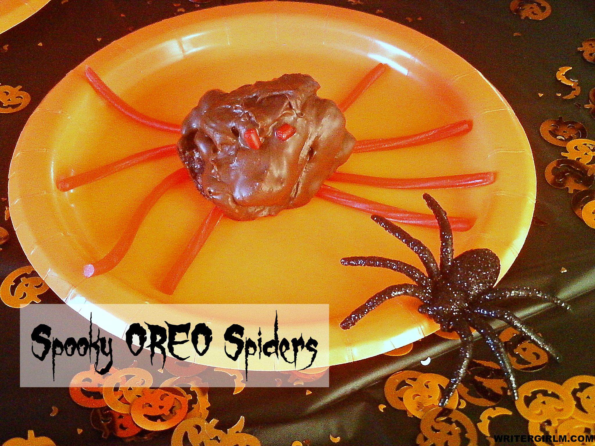 Spooky OREO Spiders are easy to make and fun to eat! #SpookySnacks #CollectiveBias