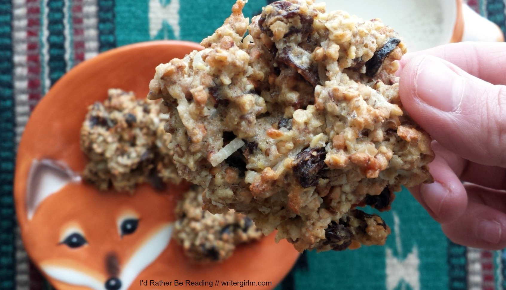 These oatmeal power-up cookies are vegan, healthy, and easy to make!